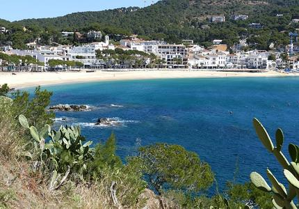 Preparing long-term adaptation pathways for coastal risks: new initiatives in Spain and France